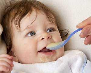 كم مرة يجب عليك إطعام طفلك الرضيع خلال اليوم؟