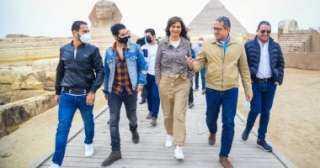 النجم العالمى مينا مسعود يزور الأهرامات وأبو الهول بصحبة وزيرى الهجرة والسياحة