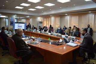 مجلس جامعة مطروح يناقش الاستعدادات لامتحانات الفصل الأول
