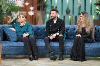 الجمعة.. نادر حمدي يظهر بصحبة زوجته ووالدته مع منى الشاذلي على cbc