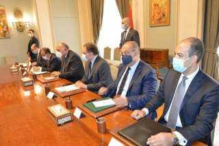 مباحثات وزير الخارجية ونظيره اليوناني تتناول تسوية الأزمة الليبية ومستجدات سد النهضة