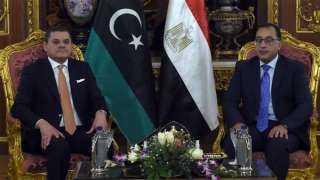مصر وليبيا توقعان مذكرات تفاهم في مجالات النفط والغاز والإسكان