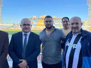الدكتور هشام عناني المرشح لرئاسة نادى الاسماعيلي يلتقى مع بعض اعضاء النادى